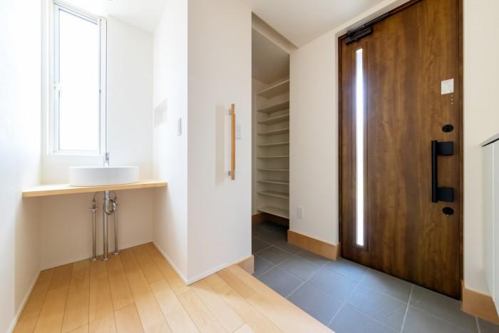 Y様邸の玄関には洗面台があるんです!| 郡山市 新築住宅 大原工務店のブログ