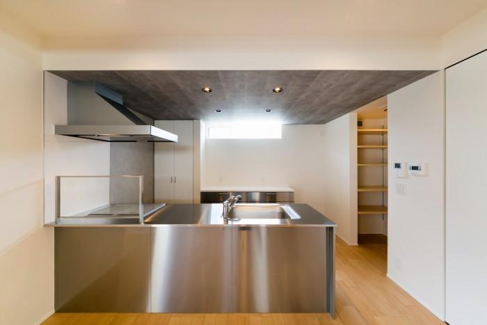 お客様邸のカッコいいキッチンです。| 郡山市 新築住宅 大原工務店のブログ