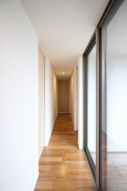 郡山市モデルハウス「中庭のある平屋」廊下|郡山市 新築住宅 大原工務店のブログ