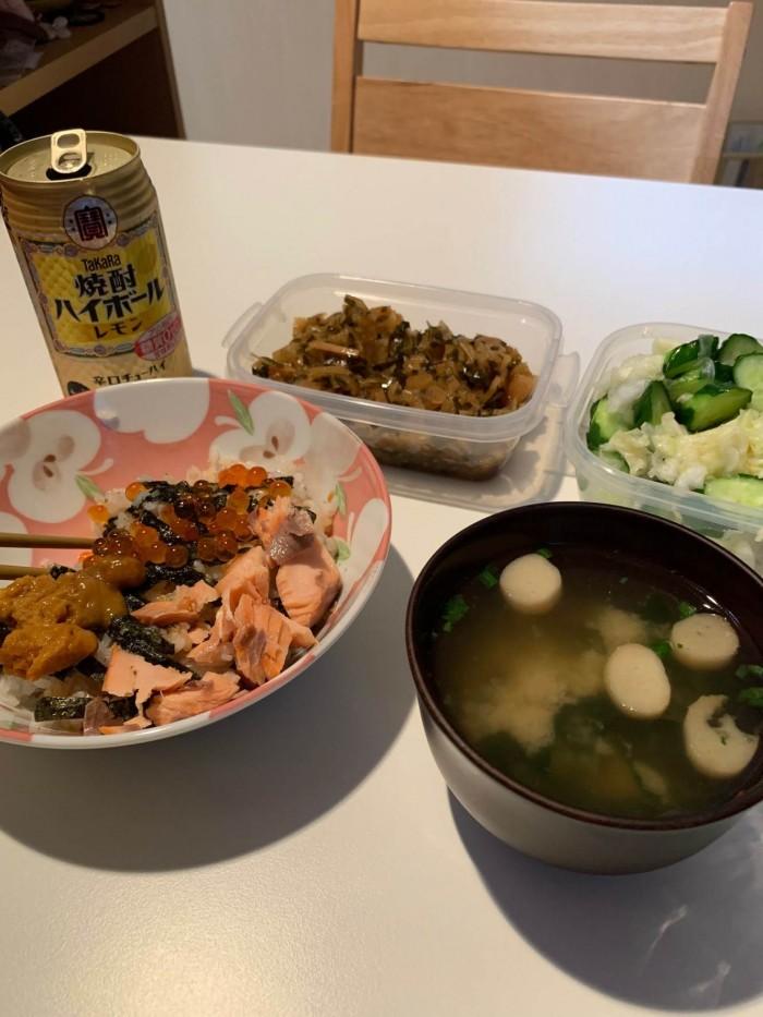 自宅で海鮮丼を食べました。郡山市安積町| 郡山市 新築住宅 大原工務店のブログ