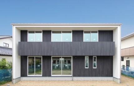 2世帯住宅で、カッコイイキューブ型のお家の見学会です。田村郡三春町|郡山市 新築住宅 大原工務店のブログ