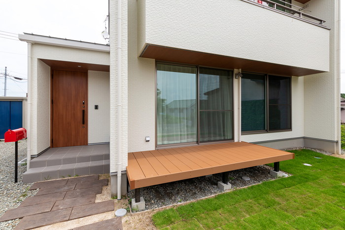 オシャレなM様邸玄関まわりです。須賀川市森宿  郡山市 新築住宅 大原工務店のブログ