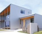 金属外壁と杉板の組合せでシンプルかつスタイリッシュな外観|郡山市 注文住宅 大原工務店 施工例