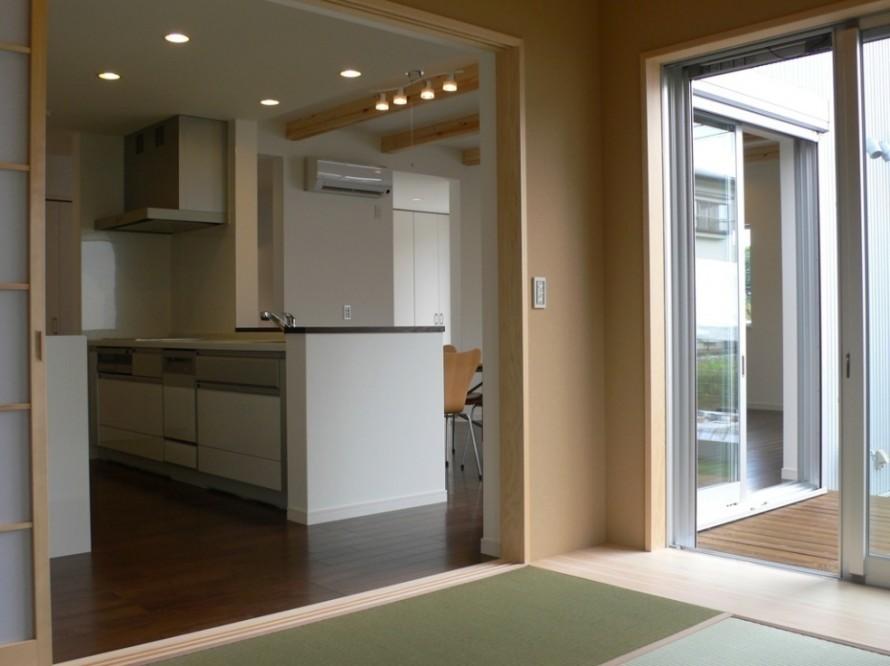 ガルバリウム鋼板を外壁に施したスタイリッシュな家-和室-|郡山市 注文住宅 大原工務店の施工例