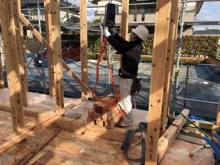 2階の木材をレッカーで運びます 郡山市大槻町 | 郡山市 新築住宅 大原工務店のブログ