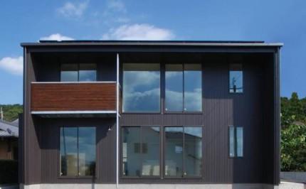 黒の外観が際立つキューブ型の注文住宅~外観~|郡山市 注文住宅 大原工務店 施工例