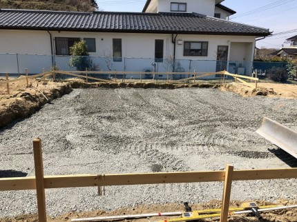 基礎工事で、根切りを行っております。田村郡三春町|郡山市 新築住宅 大原工務店のブログ