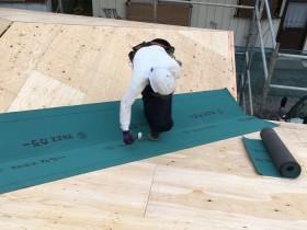 ルーフィング(防水シート)施工中です 郡山市富田町 | 郡山市 新築住宅 大原工務店のブログ