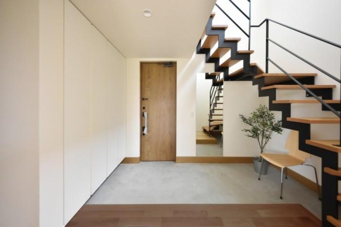 見学会を開催するお客様邸の玄関です。| 郡山市 新築住宅 大原工務店のブログ