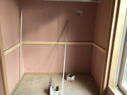 内部では、石膏ボードを貼っていきます。郡山市小原田|郡山市 新築住宅 大原工務店のブログ