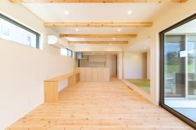 天井梁がアクセントになっているリビングルームです!| 郡山市 新築住宅 大原工務店のブログ