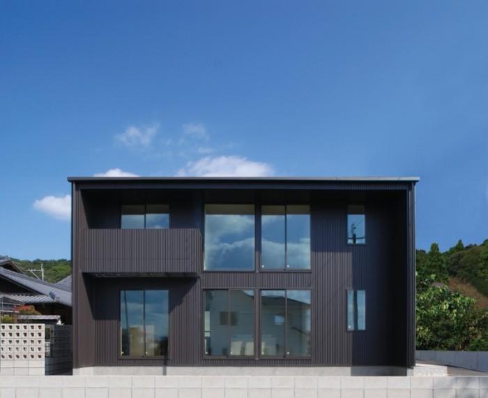 今回見学会を行ったお客様邸は黒い外壁のキューブ型の外観です!| 郡山市 新築住宅 大原工務店のブログ