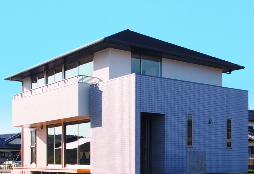杉無垢材の梁が印象的 20代で建てる注文住宅-外観-|郡山市 注文住宅 大原工務店の施工例