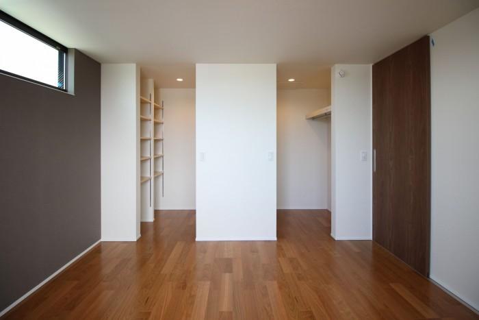 ウォークインクローゼットが2つある寝室。| 郡山市 新築住宅 大原工務店のブログ