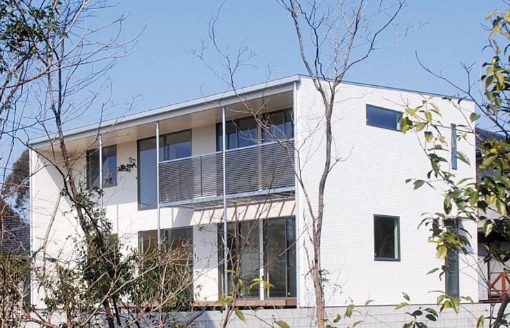 趣味のDJブースを設えたシンプルモダンな箱型の家|郡山市 注文住宅 大原工務店 施工例