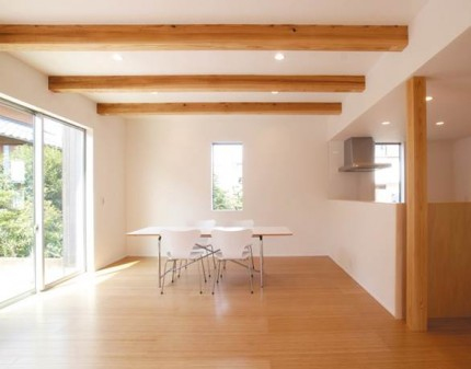 木目調と石張り調で際立つダークブラウンのシンプルデザイン-内装-|郡山市 注文住宅 大原工務店の施工例