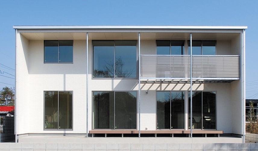 深い軒の出で日射しを調節するパッシブデザインの箱型の家|郡山市 注文住宅 大原工務店 施工例