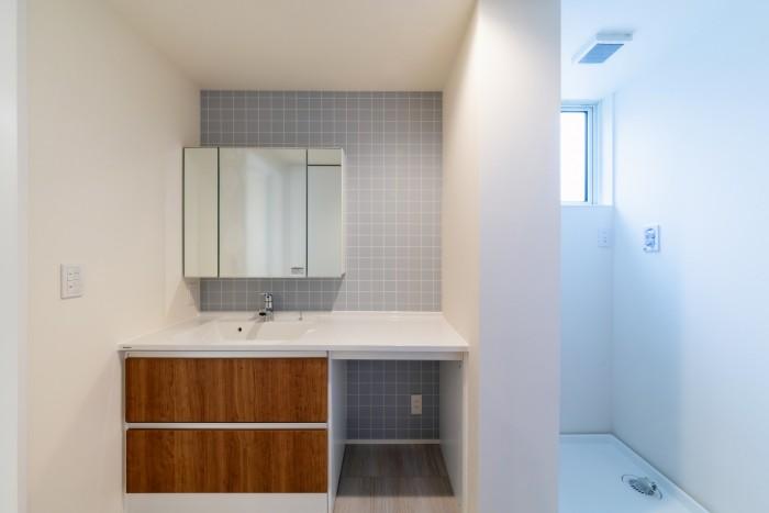 清潔感のあるクロスを使用した洗面所です!| 郡山市 新築住宅 大原工務店のブログ