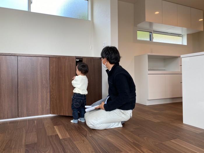 お子様が楽しそうにお家を探検していました!| 郡山市 新築住宅 大原工務店のブログ