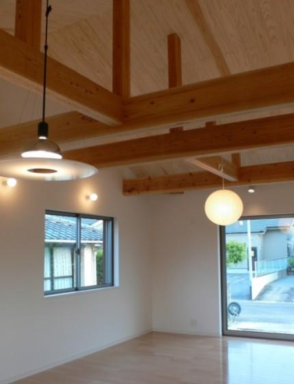 モダンな佇まい 平屋ならではのこだわりが満載-天井-|郡山市 注文住宅 大原工務店の施工例