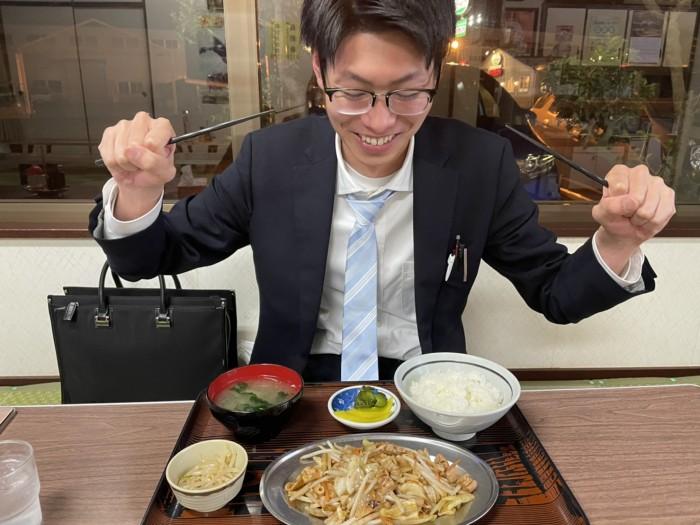 かなざわ食堂でモツ炒め定食食べました。須賀川市森宿|郡山市 新築住宅 大原工務店のブログ