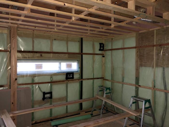 気密の施工です。|郡山市 新築住宅 大原工務店のブログ