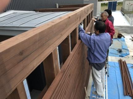 現場で加工した材料を大工さんが施工していきます。田村市船引町| 郡山市 新築住宅 大原工務店のブログ