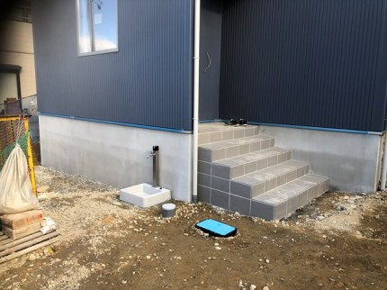 基礎、玄関ポーチの仕上がりです。|郡山市 新築住宅 大原工務店のブログ