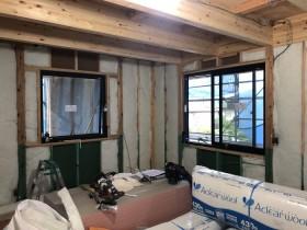 断熱材の施工です。 郡山市 新築住宅 大原工務店のブログ