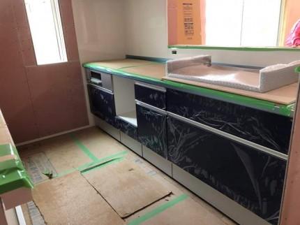 キッチンの取付です。|郡山市 新築住宅 大原工務店のブログ