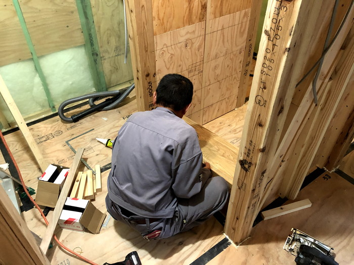 階段の施工です。 郡山市 新築住宅 大原工務店のブログ