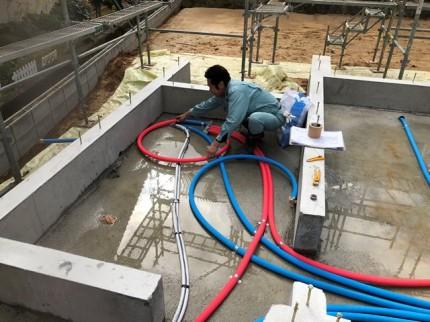 新築の給水・給湯の先行配管です。 郡山市 新築住宅 大原工務店のブログ