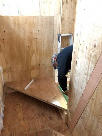 新築の階段施工です。