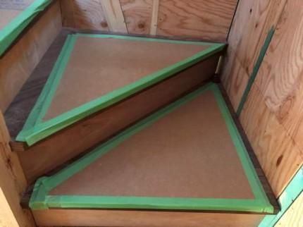階段の養生です。|郡山市 新築住宅 大原工務店のブログ