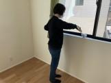 サッシも綺麗にしていきます。須賀川市森宿W様邸| 郡山市 新築住宅 大原工務店のブログ