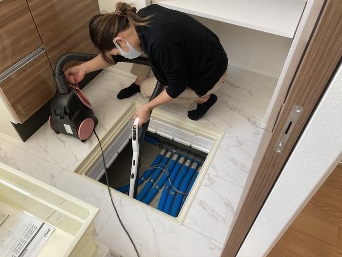 床下点検口もしっかり見ていきます。須賀川市森宿W様邸  郡山市 新築住宅 大原工務店のブログ
