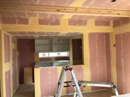 クロスのパテ処理完了です。|郡山市 新築住宅 大原工務店のブログ