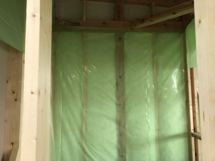 ライフボックスに取り付けられた防湿気密シートです。| 郡山市 新築住宅 大原工務店のブログ