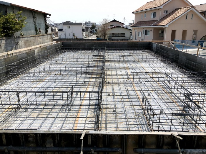 床板部分にコンクリートを流してます。郡山市片平町| 郡山市 新築住宅 大原工務店のブログ