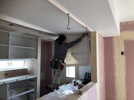 クロスの仕上げです 郡山市田村町 |郡山市 新築住宅 大原工務店のブログ