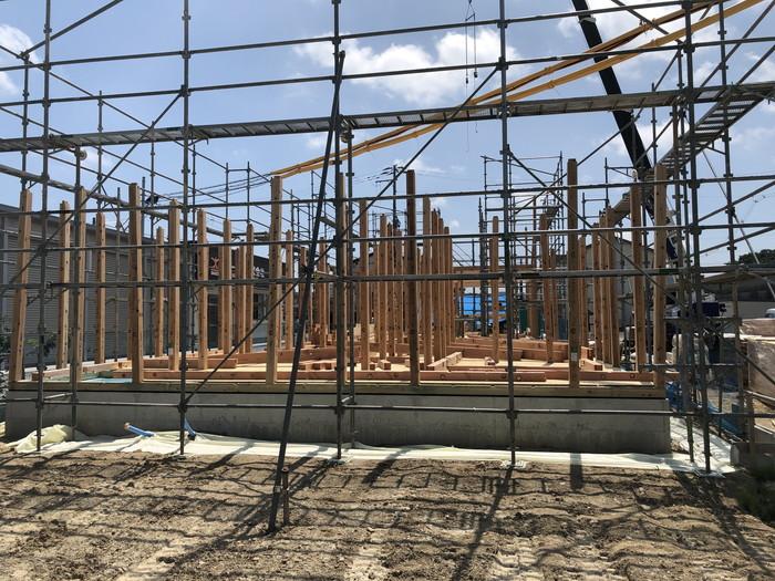 柱を建てていきます。 郡山市 新築住宅 大原工務店のブログ