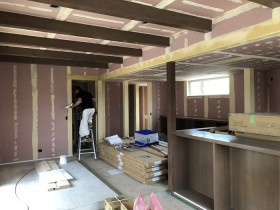 クロスのパテ埋めの工程です。|郡山市 新築住宅 大原工務店のブログ