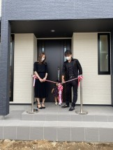 新築注文住宅C様邸、テープカットの様子です。郡山市開成| 郡山市 新築住宅 大原工務店のブログ