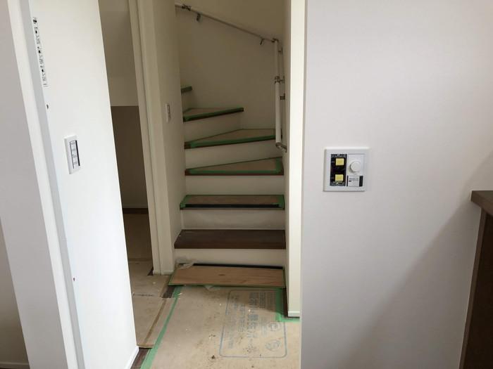 スイッチボックスの取付です。|郡山市 新築住宅 大原工務店のブログ