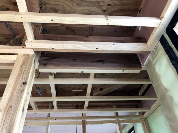 廊下部分の天井下地です。|郡山市 新築住宅 大原工務店のブログ