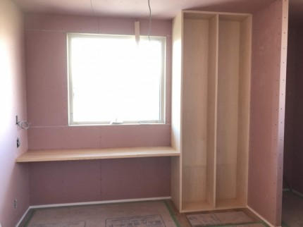 廊下のフリースペースに本棚があります。郡山市大槻町| 郡山市 新築住宅 大原工務店のブログ