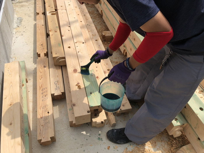 土台の防蟻処理です。|郡山市 新築住宅 大原工務店のブログ