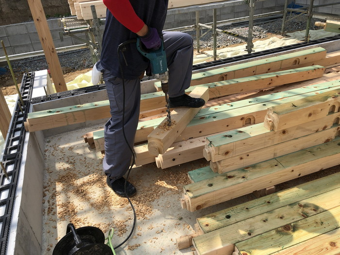 土台の穴あけです。|郡山市 新築住宅 大原工務店のブログ