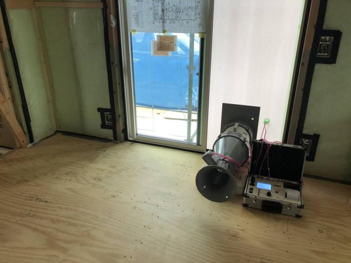 気密検査の機械です。|郡山市 新築住宅 大原工務店のブログ
