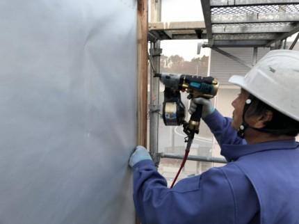 外壁下地を打ち付けていきます。郡山市富久山町| 郡山市 新築住宅 大原工務店のブログ